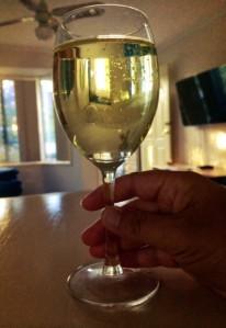 innerpollyanna_cleaning_wine